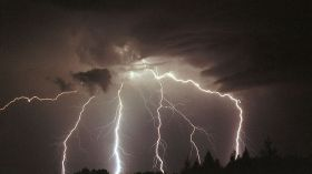 Silne burze nad Gorzowem! Może się nawet pojawić tornado!