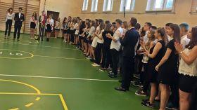 Uczniowie pożegnali się ze szkołą na ponad dwa miesiące